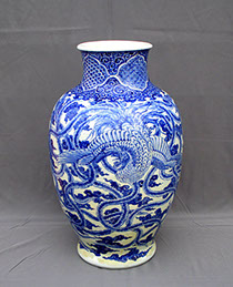 Large Japanese porcelain blue and white vase. Large phoenix, hand-painted, for ikebana, Japanese gardens, interior design, Los Angeles
