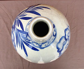 Top view - Very large blue and white sake bottle, bulbous form, Seto ware, flowers, foliage,  hand-painted, mingei for Japanese gardens, ikebana
